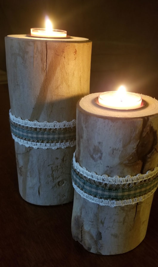 Log Candle Holder Pair Green Ribbon Lit
